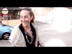 Clamorosa gaffe della grillina Taverna in un video: parcheggia sulle strisce!Paola Taverna si congeda dai suoi tre mesi da capogruppo al Senato del M5S con un video