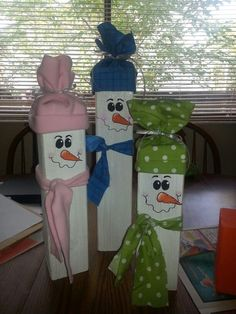 Fence post snowmen