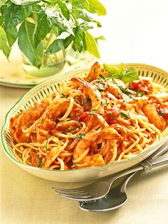 If you're looking for an easy seafood dish, try this pasta toss. The shrimp and imitation crab cook right in the tomato sauce. -  foodiedelicious.com  #Seafood #Seafooddishes