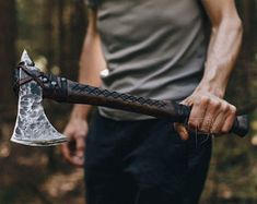 Survival Prepping, Survival Skills, Vikings, Throwing Axe, Viking Armor, Tomahawk Axe, Battle Axe, Fantasy Weapons, Knives And Swords