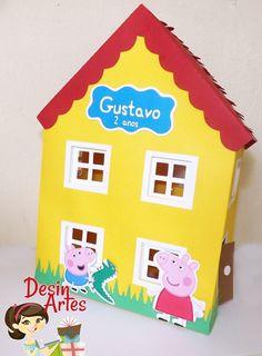 1 CARRO PEPPA PIG VERMELHO; <br>1 CASA PEPPA grande; <br>2 BOTAS; <br>1 TREM COM 2 VAGÕES.