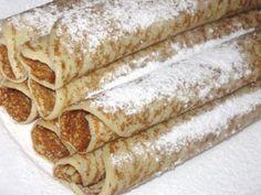 Clatite de post umplute cu dulceata de afine, Rețetă Petitchef Vegan Sweets, Vegan Desserts, Jacque Pepin, Romanian Food, Nutella, Deserts, Food And Drink, Cooking, Ethnic Recipes