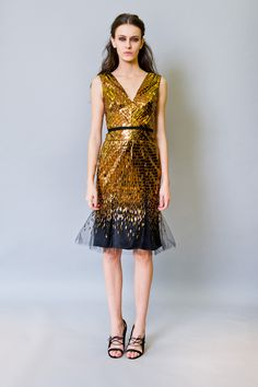 This is so fun & reminds me of a temple of gold in an Indiana Jones movie---> Pre-Fall 2012 Runway, Carolina Herrera
