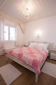 Rózsa apartman - Bacchus - Badacsony - Lake Balaton - Hungary Bedroom Ideas, Furniture, Home Decor, Decoration Home, Room Decor, Home Furnishings, Home Interior Design, Home Decoration, Dorm Ideas