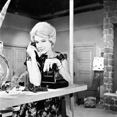 Maro Kontou - 'Τα Κίτρινα Γάντια' (1960) Editorial Fashion, Actors & Actresses, Greece, Joker, Cinema, My Love, Goddesses, Stage, Fictional Characters