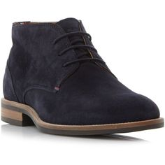 Tommy Hilfiger Daytona 2b Plain Suede Chukka Boots (3,405 MXN) ❤ liked on Polyvore featuring men's fashion, men's shoes, men's boots, mens suede lace up boots, mens suede shoes, mens suede boots, mens suede chukka boots and mens chukka shoes