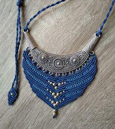 Macrame necklace made of Linhasita thread / Makrame ogrlica od Linhasita konca