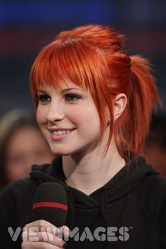 red hair, uneven bangs, Haylee Williams <3