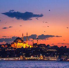 溫暖的天空色調彷彿專屬於伊斯坦布爾。💖   ©leventert
