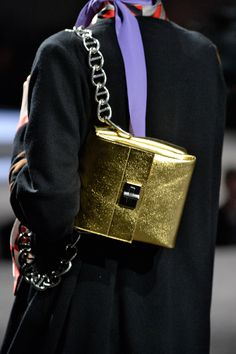 15 Accessory Trends To Update Your Look #refinery29  http://www.refinery29.com/accessory-trends#slide38  Minimalist Chain BagsPrada.