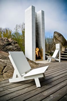 Vertical exposed chimney for a regal, sophisticated modern outdoor space. +The Gladys and Taavi Patio Chairs designed by David Salmela for Loll Designs. Modern Outdoor Chairs, Outdoor Living, Outdoor Decor, Outdoor Lounge, Modern Outdoor Fireplace, Contemporary Patio, Modern Backyard Design, Garden Design, Diy Garden