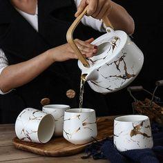 Tea Pot Set, Pot Sets, Ceramic Teapots, Ceramic Art, Photo Deco, Teapots And Cups, Tea Service, Coffee Set, Tea Mugs
