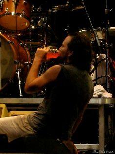 Eddie takes a little Gatorade break Mookie Blaylock, Pearl Jam Eddie Vedder, Dear Dad, He Loves Me, My Church, Great Bands, Choir, A Good Man, Beautiful Day