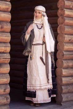 Pagan Slavic costume a Muslim woman could wear