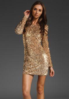 Gold dress. Hott.