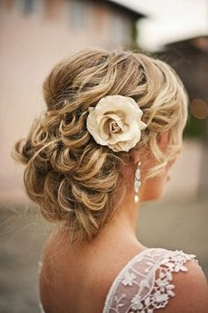 romantic wedding hair ideas floral type