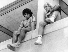 Diego Maradona y Bernd Schuster pic.twitter.com/a2CxTFqOOE