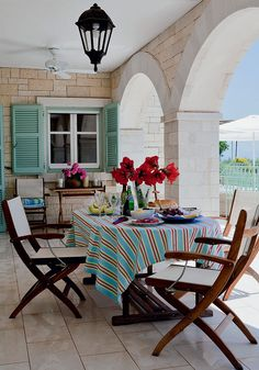 beach + mint and red (House in Corfu: photo from http://static.admagazine.ru)