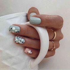 Chic Nails, Stylish Nails, Trendy Nails, Fun Nails, Nail Art Cute, Cute Acrylic Nails, Subtle Nail Art, Nail Designer, Dipped Nails