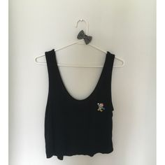 BM   black crop Brandy Melville black crop top with patch  * amazing condition  * no flaws   offers through the offer button   ~hair bow not included, but can be included for 2$ extra! Brandy Melville Tops Tank Tops
