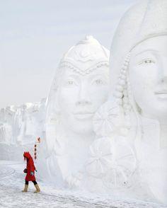 Harbin International Ice and Snow Sculpture Festival, Harbin, China http://johnpirilloauthor.blogspot.com/