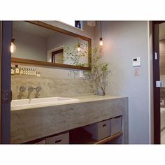 The white bathroom attracts with simplicity, purity and timeless elegance. If you are thinking of decorating your bathroom all in white. Modern White Bathroom, Yellow Bathrooms, Bathroom Mixer Taps, Bathroom Fixtures, Washroom, Painting Wooden Furniture, Bathroom Furniture, Rustic Furniture, Bathroom Interior Design