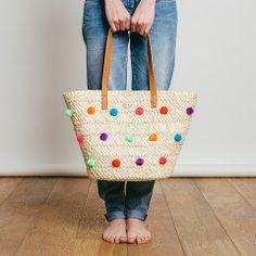 Pom Pom bag Oahu by Roxy. A basket with colour pop!
