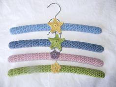 Crocheted coat hangers based on Sarah London's pattern Crochet Coat, Crochet Clothes, Crochet Baby, Belt Hanger, Diy Hangers, Clothes Hanger, Crochet World, Sewing Stitches, Vintage Coat