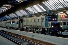 SBB Ae4/7 Locomotive, Railroad Pictures, Swiss Railways, Vintage Poster, Electric Train, Oil Rig, Vintage Trains, Switzerland, Architecture