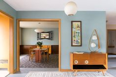 House Tour: A Restored Mid-Century Home in Rhode Island Modern Kitchen Design, Modern Interior Design, Modern Decor, Rhode Island, Interior Definition, Dining Room Paint, Kitchen Paint, Mid Century Modern Kitchen, Primitive Homes