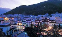 Google Image Result for http://www.bookableholidays.com/images/country/spain/costadelsol/mijas/mijas-at-night.jpg