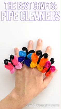 Pipe cleaner crafts are THE BEST. They're inexpensive (gotta love dollar store crafts!), they come in every colour you can think of AND with a little bit of creativity, you can bend them into pretty m Dollar Store Crafts, Dollar Stores, Fun Crafts For Kids, Arts And Crafts, Diy Crafts For Gifts, Baby Crafts, Halloween Crafts, Christmas Crafts, Halloween Ideas