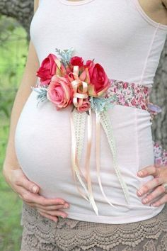 How To Make The Cutest Baby Shower Corsage!   Cutest Baby Shower Ideas