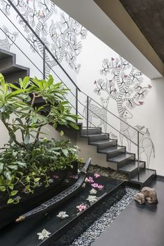 Read the article !Tree of Life - a Gond painting is sketched beautifully on this staircase in a penthouse in Mumbai. Such a refreshing change from a gallery wall often seen in such places. Patio Interior, Interior Stairs, Home Interior Design, Exterior Design, Stairs Architecture, Landscape Architecture Design, Landscape Stairs, Landscape Plans, Landscape Art