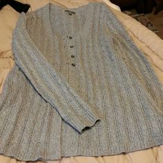 Apt 9 grey sweater Grey..4 buttons then flares and no buttons from waist down...very cute..never worn Apt. 9 Sweaters