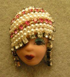 Elvira Jackie Vintage Porcelain Face Lady Head Brooch Vintage Costume Jewelry, Vintage Costumes, Textile Jewelry, Head Pins, Doll Head, Clay Art, Vintage Brooches, Barbie Dolls, Brooch Pin