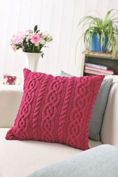 letsknitmag:  Hibiscus Twist by Lucinda Ganderton - Let's Knit October 2014, on sale from 29 August  ♡♡