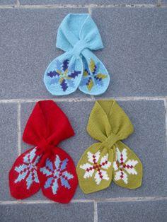 Vintage scarf with Icelandic roses free knitting pattern Free Knitting, Knitting Patterns, Crochet Patterns, Neck Scarves, Knit Scarves, Vintage Scarf, Fiber Art, Mittens, Free Pattern