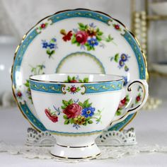 Vintage Tuscan Lowestoft Teacup and Saucer, English Bone China Tea Cup 12508