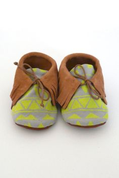 Baby moccasins - yep when I have a child one day it will wear shoes like this haha :)