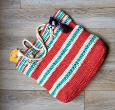 Crochet this super simple and functional Asbury Tote pattern using Bernat Maker Home Dec yarn. Pattern features grommets and cord handles.