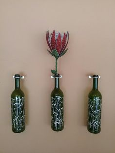 Protea wine bottles and beaded protea. South African Wine, South African Design, Living Room On A Budget, Rugs In Living Room, Protea Art, Bottle Art, Bottle Design, Diy On A Budget, Diy Room Decor