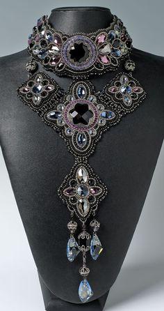 http://bnb.jewelrymakingmagazines.com/~/media/images/Bead%20Dreams/2014/Black%20Swan