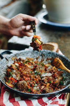 Csirkemájas lecsó | Lila Füge Kung Pao Chicken, Paella, Ethnic Recipes, Lilac