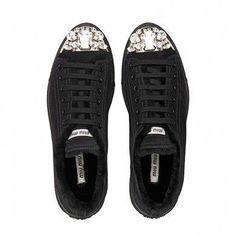84a16c0345 Miu Miu sneakers Dieses Produkt und weitere MIU MIU Taschen jetzt auf  www.designertaschen-shops.de/brands/miu-miu entdecken #MiuMiu