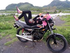 Kawasaki Ninja, Yamaha, Motorcycles, Meme, Chanel, King, Vehicles, Car, Instagram