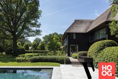 Karaktervolle villa in groene rand rond Antwerpen - Hoog ■ Exclusieve woon- en tuin inspiratie. Modern Architecture, Barns, House, Design, Home, Modernism, Barn, Contemporary Architecture