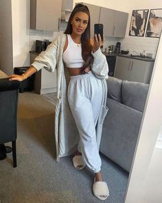 Cute Lazy Outfits, Chill Outfits, Mode Outfits, Trendy Outfits, Cute Lounge Outfits, Pastel Outfit, Winter Fashion Outfits, Look Fashion, Mode Ootd