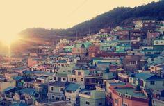 감천문화마을 Gamcheon Culture Village, Busan. Looks like a nice place to visit and take pictures.