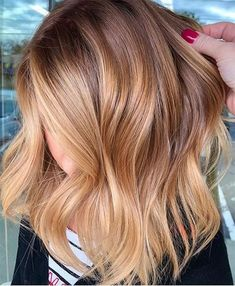 Light Brown Hair Color Ideas for Summer 2019 - Hair Colo .- Hellbraune Haarfarbe Ideen für den Sommer 2019 – Hair Colors – Light Brown Hair Color Ideas for Summer 2019 – Hair Colors – colour - Cute Hair Colors, Light Hair Colors, Light Auburn Hair Color, Brown Blonde Hair, Copper Blonde Balayage, Balayage Hair Light Brown, Auburn Blonde Hair, Balayage Hair Copper, Blonde Brunette